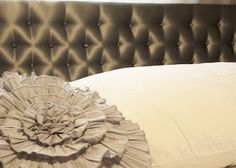 omg the easiest tufted headboard ever. With nails and hot glue. Wish I saw this before I did my daughters bed