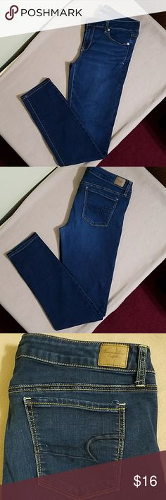 American Eagle skinny jeans❣️ American Eagle skinny jeans super stretch.  In great used condition. Length is about 41 inches. Inseam is about 32 inches.  Waist is about 34 inches. American Eagle Outfitters Jeans Skinny