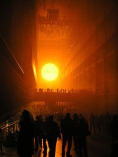 Olafur Eliasson - The Weather Project, Turbine Hall, Tate Modern, London, 2003 (photo: Nathan Williams - www.flickr.com/photos/simiant/)