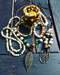 Mixing up! #jewelry #bijuterii #tiggtagjewelry #tiggtag #bohochicstyle #bohojewelry #travel #necklace #bracelet #beads #cool #seasidelight #fashion #style #raw #wood #handmadejewelry #handmade