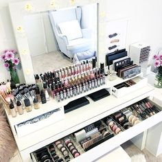 Makeup table diy vanity ikea alex ideas for 2019 Diy Makeup Organizer, Vanity Organization, Organization Ideas, Storage Ideas, Bedroom Organization, Dressing Table Organisation, Ikea Makeup Vanity, Diy Vanity, Vanity Ideas