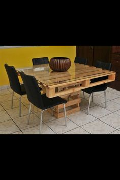 Pallet table - another interesting option