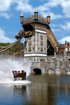 Efteling, Nederland. The first theme park I went to many, many years ago. The most magical place...ever! Hope to go back one day.