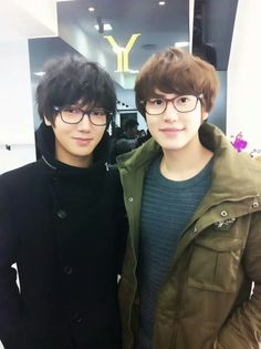Yesung and Kyuhyun from Super Junior K-Pop boy band. Dear Lord, they're gorgeous. Yesung, Lee Donghae, Kim Ryeowook, Cho Kyuhyun, Choi Siwon, Heechul, Korean Boy, Korean Star, Korean Celebrities