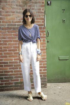 Leandra Medine                     역시 패션리더!!     엄청시원하겠네~       Blouse : Christina Lehr     Pants&Shoes : Chloe     Sunglasses...
