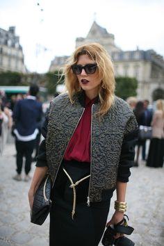 Elegant tourist/photographer in Paris (I know the place)...Nice jacket!