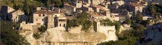 Rendez-vous aux Baux-de-Provence, l'un des plus beaux villages de France Beaux Villages, France Travel, Vacation