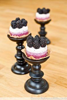 Brombeer-Törtchen {no bake cake sunday} | lecker macht laune