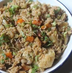 Green Chutney for Sandwich / Bombay Sandwich Chutney Recipe - Yummy Tummy