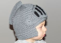 Sir Knight Helmet hat pattern by Cutecraftycrochet Crochet Crafts, Yarn Crafts, Crochet Projects, Knit Crochet, Ravelry Crochet, Learn To Crochet, Crochet For Kids, Confection Au Crochet, Knights Helmet