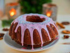 Omas Glühweinkuchen schmeckt in der kalten Jahreszeit besonders gut. Mit diesem Rezept gelingt er. Muffins, Eat, Desserts, Christmas, Recipes, Food, Sugar Sugar, Cakes, Advent