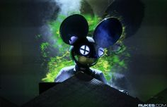 """deadmau5 Teases Upcoming Album 'Stuff I Used To Do' With 5+ Minute Minimix  It's only been a couple months, but  deadmau5  has another album on the way called   stuff i used to do   that will be a 20-track compilation of his works dating from 1998 to 2007.     kinda excited to launch my next little pet project album, hopefully Feb """"stuff i used to do"""" .. remastered tunes from 98-2007  — dead mow cinco (@deadmau5)  December 3, 2016       Joel Zimmermanfirst made this announcemen.."""