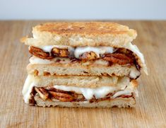 The Sweet Treat – Vanilla Cardona, Spiced Nuts and Chocolate Chips Grilled Cheese | Grilled Cheese Social