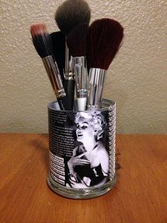 Hey, I found this really awesome Etsy listing at https://www.etsy.com/listing/174358709/marilyn-monroe-inspired-makeup-brush