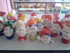 Schudkabouters met rijst in hun buikje en ballonnen-pinnemuts!