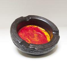 Robuuste asbak rood / geel