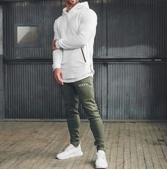 17 Ideas Fashion 2018 Trends Mens For 2019 Gq Style, Sporty Style, Style Men, Sporty Chic, Fashion 2018 Trends, Urban Fashion Trends, Teen Boy Fashion, Sporty Fashion, Mens Athletic Fashion