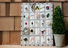 free christmas countdown tags printable and ideas to decorate them - love this for an advent calendar