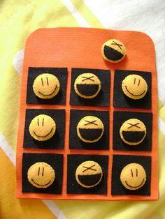 Jogo da Velha - Smile | Outra coisa que via na net e sempre … | Flickr Rock Crafts, Diy Arts And Crafts, Felt Crafts, Diy Crafts For Kids, Tic Tac Toe, Felt Toys, Felt Art, Pebble Art, Creative Gifts