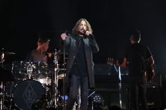 """Chris Cornell Photos - Jeff Ament, Matt Cameron, Chris Cornell, Stone Gossard and Mike McCready of the band """"Temple Of The Dog"""" perform onstage at Madison Square Garden on November 7, 2016 in New York City. - Temple Of The Dog In Concert - New York, NY"""