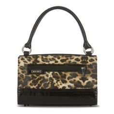 *Miche Canada* Elegant leopard print faux leather with glossy black patent leather accents evokes the golden age of cinema while still exuding modern flair. The Silvia Wrap-Around Shell for Classic Bags brings to mind sultry and mysterious stars. Do you feel glamorous today? Front zippered exterior pocket.