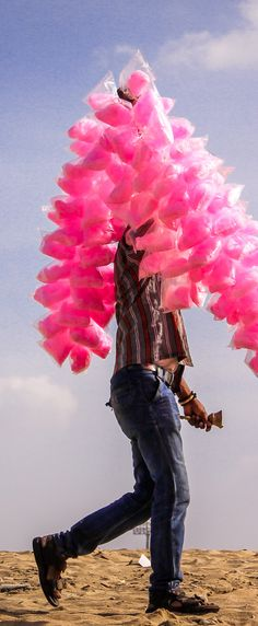 Cotton Candy Wallah: https://www.flickr.com/photos/chamorojas/31924653415/in/dateposted-public/lightbox/ #Wallah #Chennai #TamilNadu #India #Pink