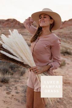 Luxe B Pampas Grass is recently the main on-line market for Pampas Grass.We supply a big number of Pampas varieties in herbal color, bleach white, red and different enthralling colours. We're recognized for high quality handpacked pampas this is delivered instantly on your door. Best possible for your own home decor, any match particularly boho marriage ceremony decor. These days we send anyplace in the United States and Canada. @luxebpampasgrasswww.luxebpampasgrass.com#pampasgrass #driedpampasgrass #driedflowers #bohowedding