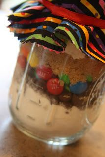 hotcakes: Candy Chip Cookies in a Jar (pint sized)
