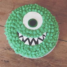 Easy Mikey Monsters Inc cake - For all your cake decorating supplies, please visit craftcompany.co.uk