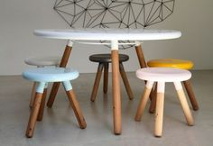 Simple yet Classy Round Dining Table Design : White Wooden Round Dining Table 3 Legs Design With 5 Colorful Chairs Round Wooden Dining Table, Dining Table Design, Dining Room Table, Table And Chairs, Table Stools, Round Tables, Table Seating, Dining Set, Dining Rooms
