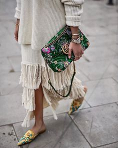 Fringing - Fall fashion trends 2018 - with fall outfit ideas including neutrals,. - Fringing – Fall fashion trends 2018 – with fall outfit ideas including neutrals,… – # - Street Style Blog, Looks Street Style, Looks Style, My Style, Street Style 2018, Street Chic, Look Hippie Chic, Look Boho, Fashion Details