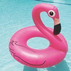Une bouée géante pour bronzer, flotter, faire la fête ou se la péter ! Paré pour un été inoubliable à la plage (de Boulogne par exemple) ! ø 125 cm. Hauteur du flamant rose : 1 mètre. 39,90 € http://www.lafolleadresse.com/les-amusants-/5239-bouee-geante-flamant-rose.html