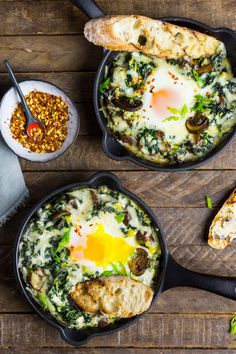 Baked Eggs with Creamed Greens. Baked eggs in cheesy creamed kale chard and spinach is our newest brunch obsession. Serve it with garlic-butter toasts. Egg Recipes, Healthy Recipes, Vegetarian Recipes, Creamed Eggs On Toast, Stuffed Mushrooms, Stuffed Peppers, Egg Dish, Gastronomia, Gourmet