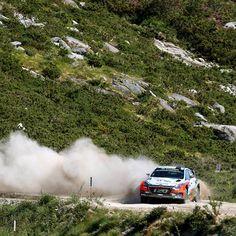 #Break a path through a cloud of #dust - @hyundai_wrc - #흙먼지 를 뚫고 펼치는 아찔한 #포르투갈 #랠리- #Hyundai_World_Rally #WRC #Portugal #Rally #ThierryNeuville #DaniSordo #HaydenPaddon #i20 #world #motorsport #mountain #wind #race #daily #photooftheday #포르투갈 #티에리누빌 #다니소르도 #헤이든패든 #비포장도로 #레이스 #현대자동차 #자동차 #자동차그램