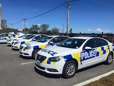 Holden Commodore's, New Zealand Police. Police Cars, Police Officer, Holden Commodore, Kiwiana, Emergency Vehicles, Cook Islands, Law Enforcement, New Zealand, Squad