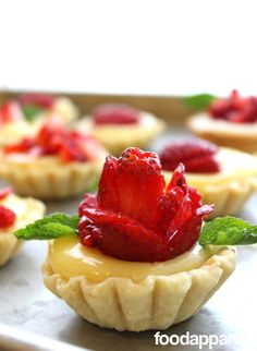 A beautiful way to present a classic dessert! Lemon Strawberry Shortcake Cups with Sweetened Ricotta and Lemon Curd. Spring Desserts, Lemon Desserts, Just Desserts, Delicious Desserts, Tart Recipes, Dessert Recipes, Quick Recipes, Cheesecake Recipes, Italian Pastries