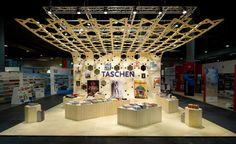 Insuperable todavía, El arquitecto japonez Shigeru Ban diseñó el stand de Taschenen la feria de  Frankfurt  2010