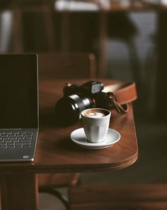 Laptop and camera and latte Coffee Shot, Coffee Cozy, Coffee Latte, I Love Coffee, Coffee Break, Coffee Time, Coffee Drinks, Momento Cafe, Coffee Photography