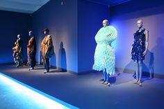Cooper-Hewitt. Fashion in Colors. Exhibit Design on Behance