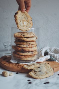 Cookies wie von Subway - einfach, schnell und lecker - galletas - Las recetas más prácticas y fáciles Cookies And Cream Cake, Cake Mix Cookies, Yummy Cookies, Cookies Et Biscuits, Brownie Cookies, Chocolate Cookie Recipes, Easy Cookie Recipes, Chocolate Chip Cookies, Dessert Recipes