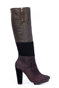 Narita Desigual women's boots, vintage style. We love vintage and retro designs, and these boots prove it. In brown with high heel.