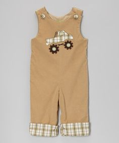 Little boys can't look more precious than they do in a sweet jumpsuit. Buttons at the shoulders make squirmy dressing easier, and when things inevitably get messy, it's machine washable!