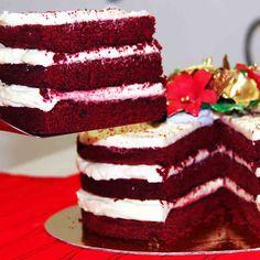 Boa tarde. O Natal Di Norma já chegou!!! Bolo Naked Red Velvet: Receita americana de bolo vermelho com creme de cream cheese. Acompanha um lindo arranjo com vela. #Natal #DiNorma #love #cake #xmas #christmas #like4like #instagood