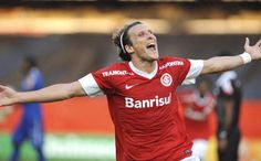 Diego Forlan finally finding form...good for him and for Internacional...