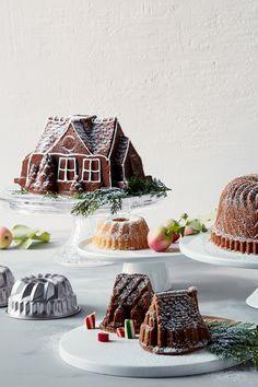 Christmas Feeling, Christmas Rock, Merry Christmas To All, Christmas Holidays, Christmas Baking Gifts, Christmas Treats, Christmas Decorations, Cool Gingerbread Houses, Tobacco Sticks