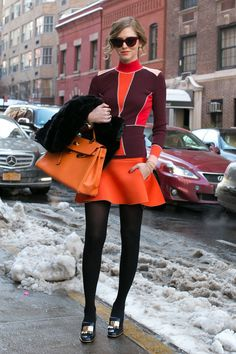 Chiara Ferragni outfitted black tights with a little whimsy. Street Style at New York Fashion Week New York Street Style, Street Style Chic, Street Style Women, Style Fashion Week, New York Fashion, Star Fashion, High Fashion, Fashion Trends, Street Fashion
