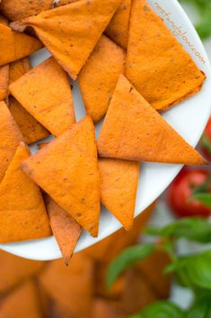Tomato and Basil Lentil Chips Recipe Tomato and Basil Lentil Chips RecipeBy / October 2018 September healthy baked lentil chips are high protein and free of Lentil Chips Recipe, Lentil Recipes, Vegetarian Recipes Easy, Healthy Recipes, Healthy Treats, Healthy Food, Going Vegetarian, Veg Recipes, Detox Recipes