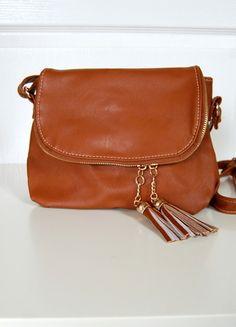 Kup mój przedmiot na #vintedpl http://www.vinted.pl/damskie-torby/torby-na-ramie/9689221-brazowa-torebka-na-ramie