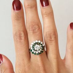 Getting lost in this #emerald and #diamond swirl. Every detail is #perfection. #sundaymorning #jewels