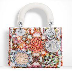 Already picked your Fall 2015 bag? Find out what your choice says about you. Christian Dior, Purses And Handbags, Leather Handbags, Embroidery Bags, Beaded Embroidery, Jewelry Design Earrings, Jewellery, Wordpress, Purse Styles
